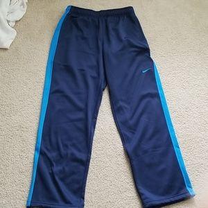 Like new nike therma fit sweatpants